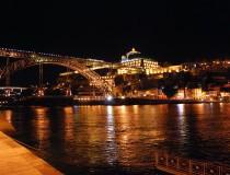 Nuevo Centro de Recepción Turística en Oporto