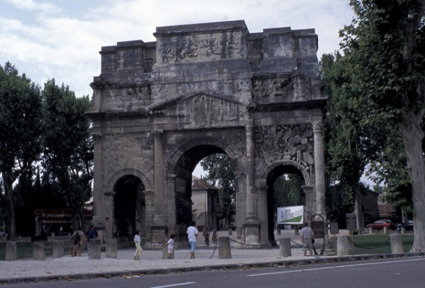El Arco del Triunfo es otra de las joyas romanas de Orange