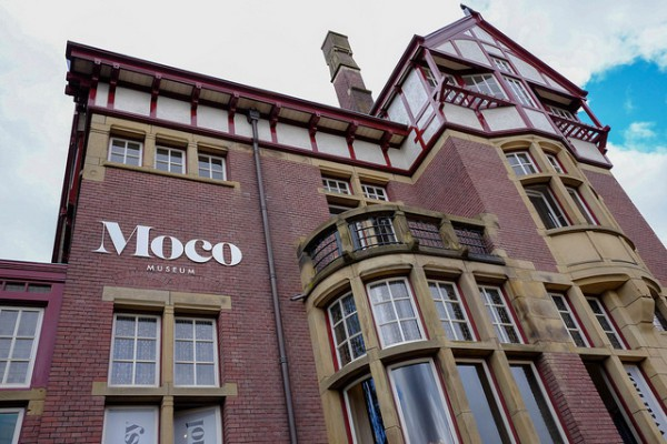 Moco Museum es un museo de arte contemporáneo en Amsterdam