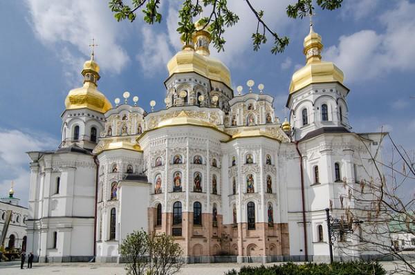 El Monasterio de las Cuevas es el principal edificio religioso de Kiev