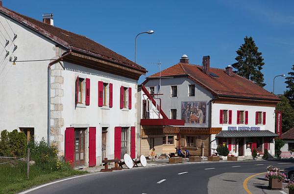El Hotel Arbez está justo en la frontera entre Francia y Suiza