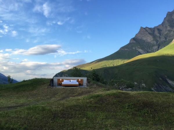 Una habitación de hotel al aire libre, si paredes ni ventanas, en plenos Alpes Suizos