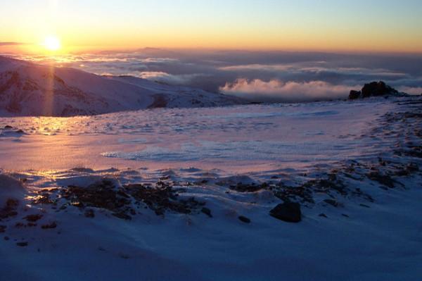 Hermosas vistas de un atardecer en Sierra Nevada