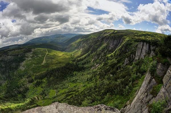 República Checa destaca por ofrecer rutas para practicar senderismo