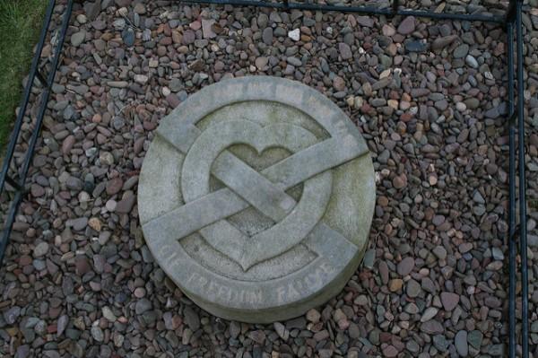 La tumba donde se encuentra el corazón de Robert Bruce