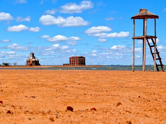 Las playas de Paraguay se preparan para el verano