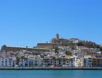 Ibiza, un mundo distinto para disfrutar en invierno