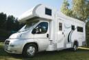Viajar en autocaravana ¿Conoces la diferencia entre estacionar y acampar?