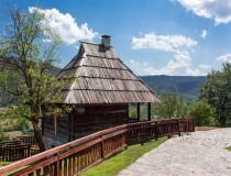 Drvengrad, un pueblo que nació del cine