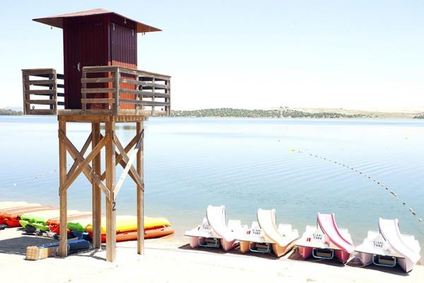Bandera azul para la Playa de Costa Dulce de Orellana, en Extremadura