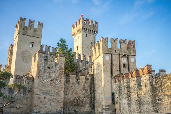 Italia convertirá castillos históricos en hoteles