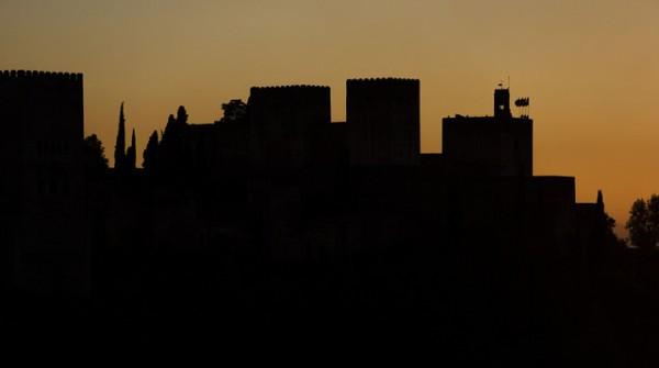 Imagen de la Alhambra a la puesta de sol