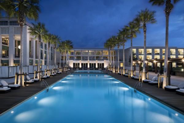 Anantara_Vilamoura_Algarve_Resort_Main_Pool_Morning