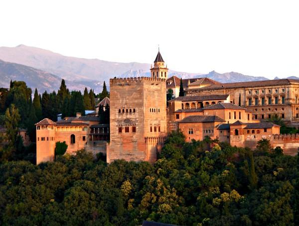 Sigue subiendo el gasto turístico en España