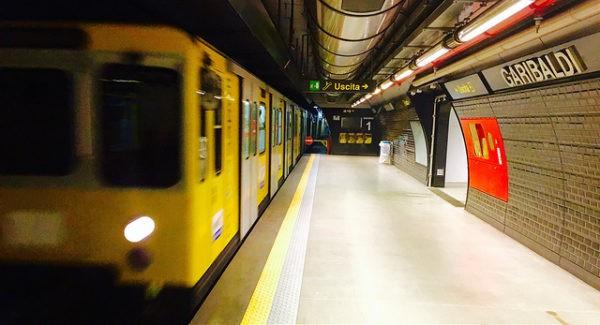 El metro es una de las mejores formas de moverse en Nápoles