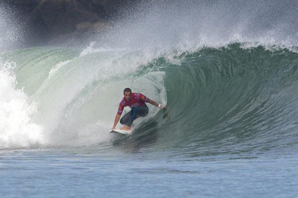 Mundaka, en el País Vasco, es uno de los destinos predilectos para hacer surf