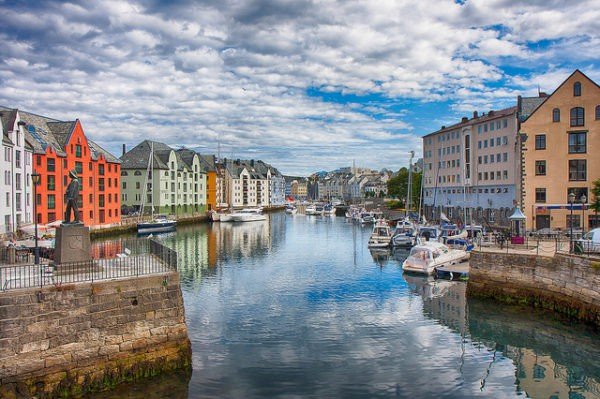 Alesund es una ciudad de Noruega conocida por el art nouveau