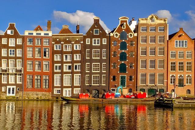 Ámsterdam apuesta por más impuestos para el turismo