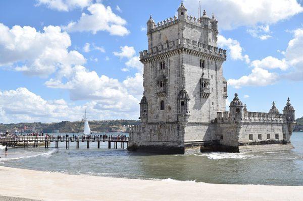 Avanza el turismo en Portugal