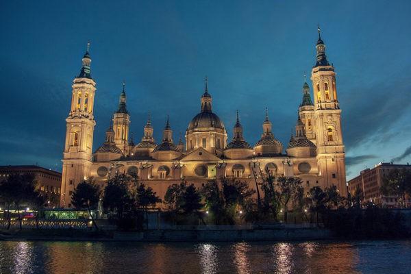 La Basílica del Pilar es uno de los monumentos más visitados de España