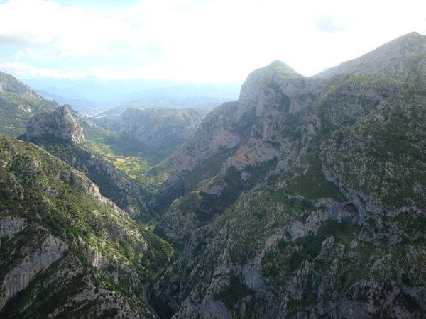 El Desfiladero de La Hermida, maravilla natural en Cantabria