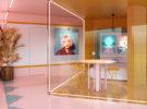 ¿Te atreves a pasar tus vacaciones en una habitación con las paredes de cristal? ¡En Ibiza puedes hacerlo y es gratis!