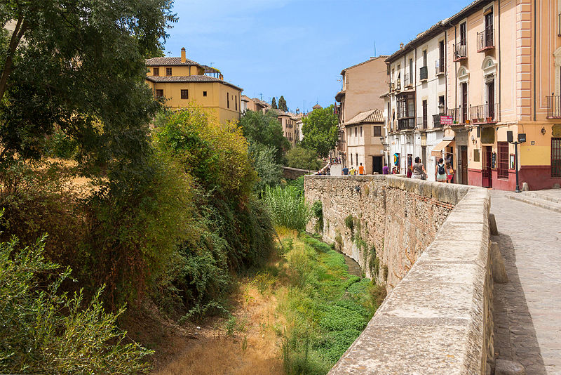 La Carrera del Darro, en Granada, es una de las calles más bonitas de Andalucía