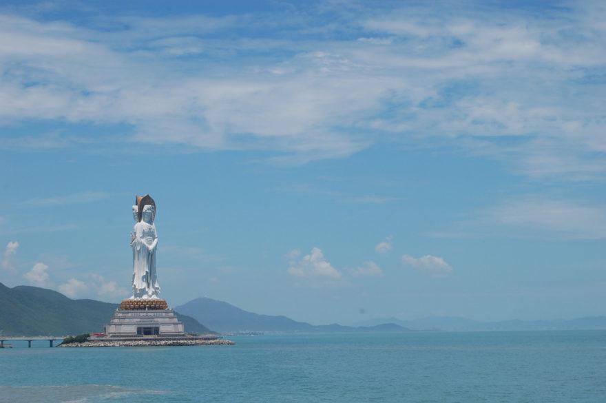 La estatua de Guanyin es una de las más grandes del mundo
