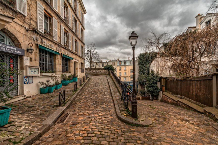 Disfrutar del enoturismo en París en el popular barrio de Montmartre