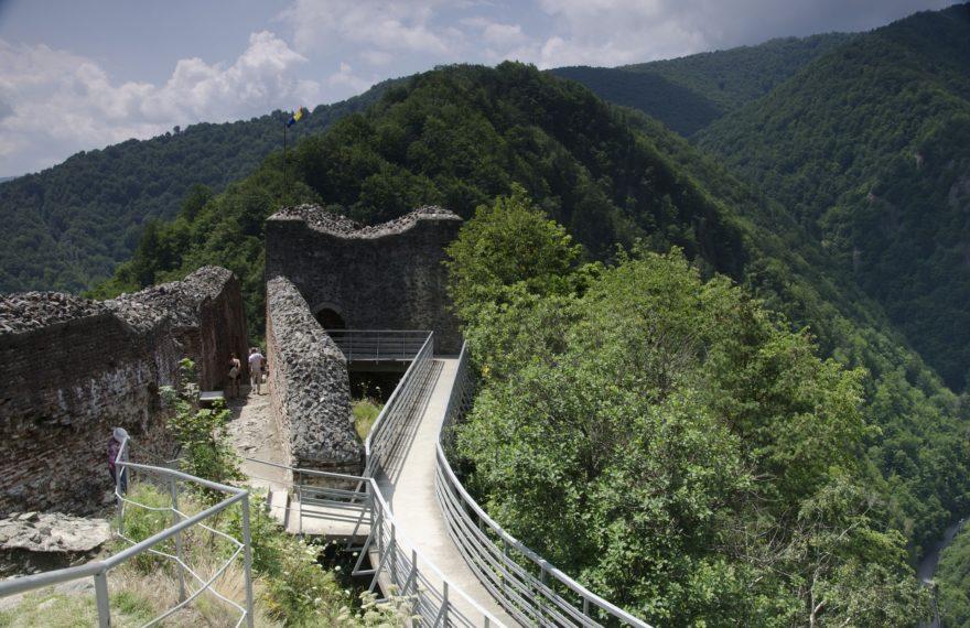 El auténtico Castillo de Drácula, el Castillo de Poienari