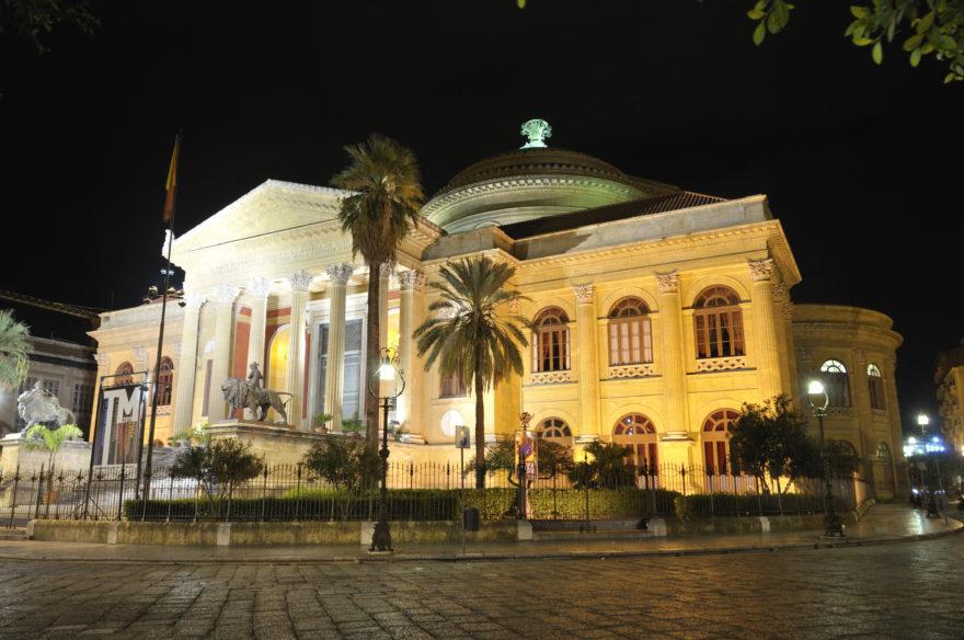 El Teatro Massimo, en Palermo. es el más grande de Italia