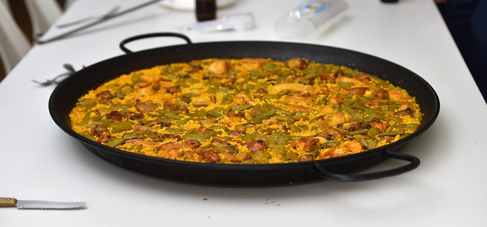 Paella Valenciana Tipica