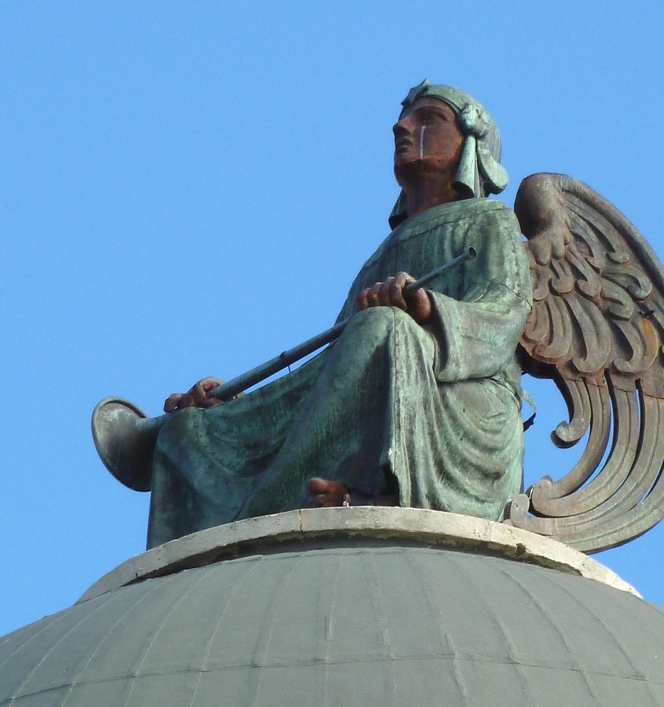 Angel Muerte Cementerio Almudena