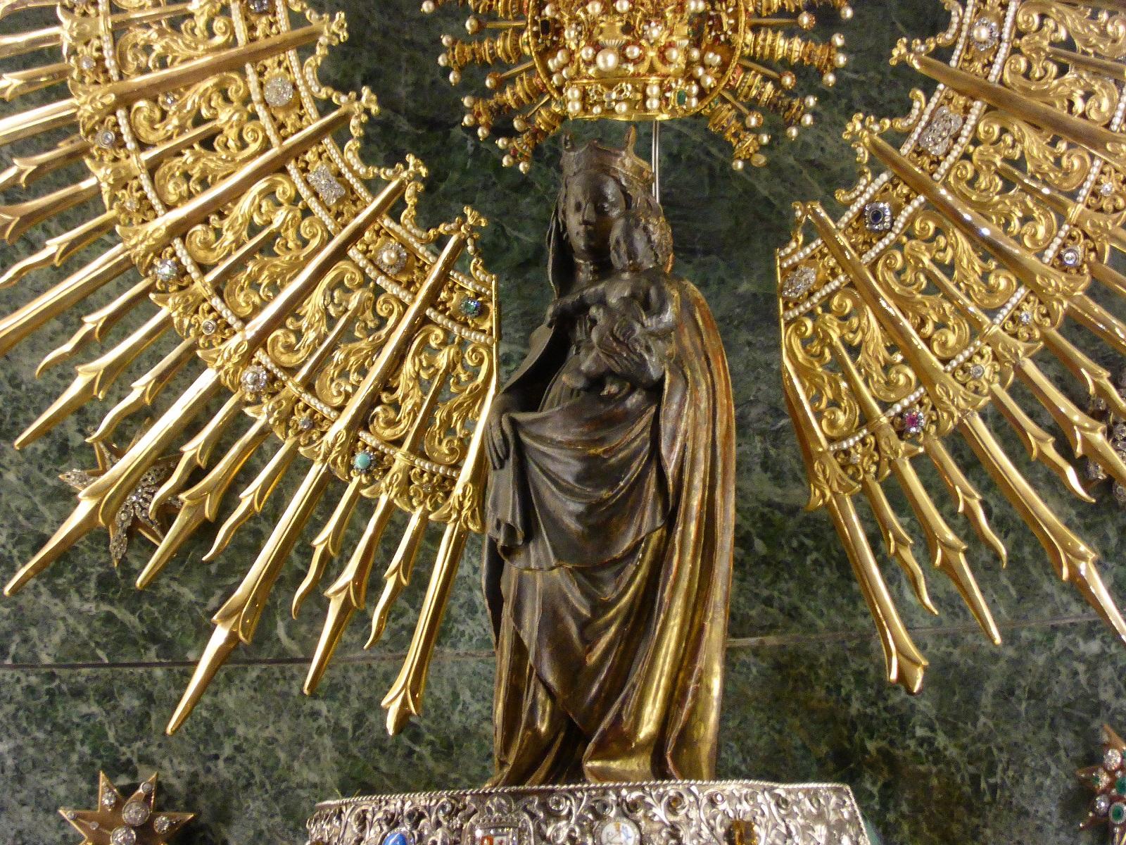 Figura Virgen Pilar Zaragoza