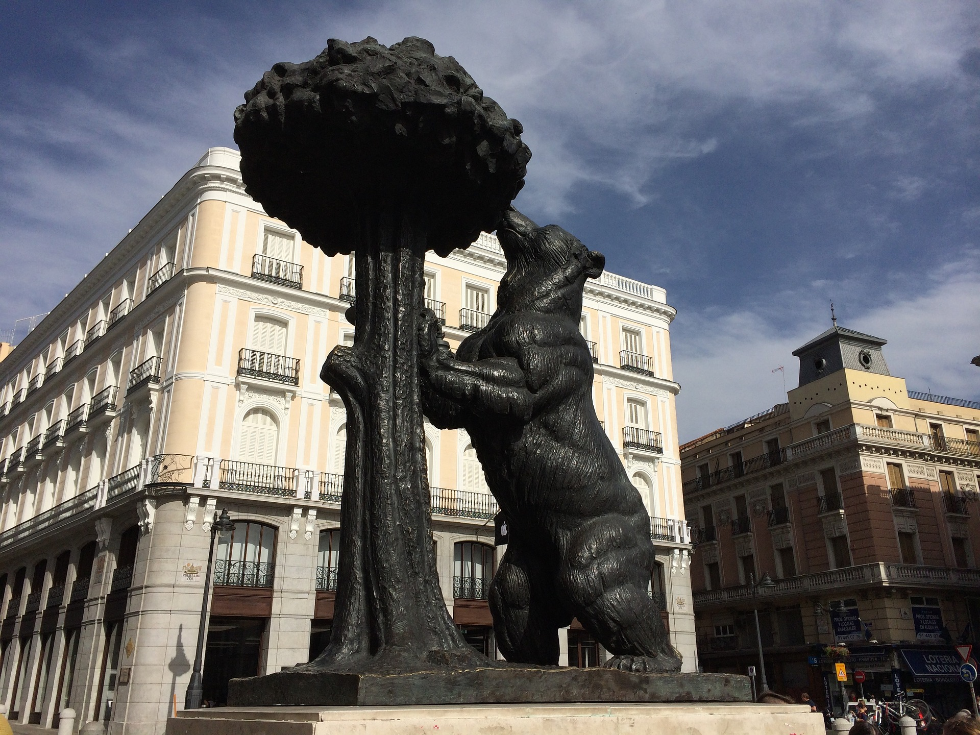 Puerta Sol Madrid Oso Madrono