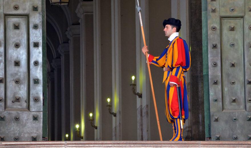 La Guardia Suiza es el ejército que defiende al Vaticano desde el siglo XVI