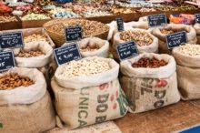 Disfruta de Mallorca: artesanía, perlas y productos frescos en mercados y tiendas