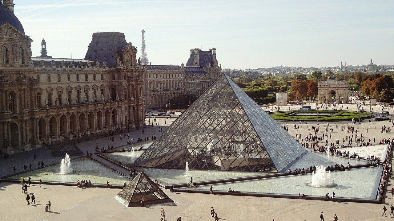 Museo Louvre Piramide