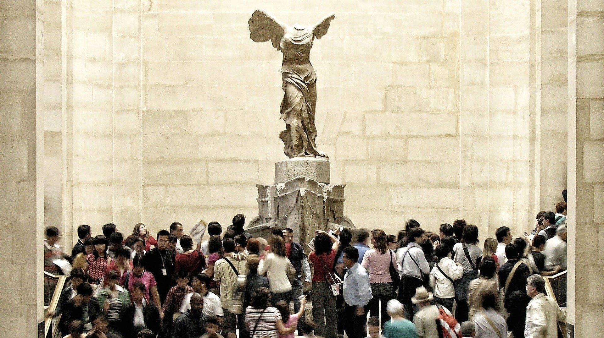 Nike Museo Louvre