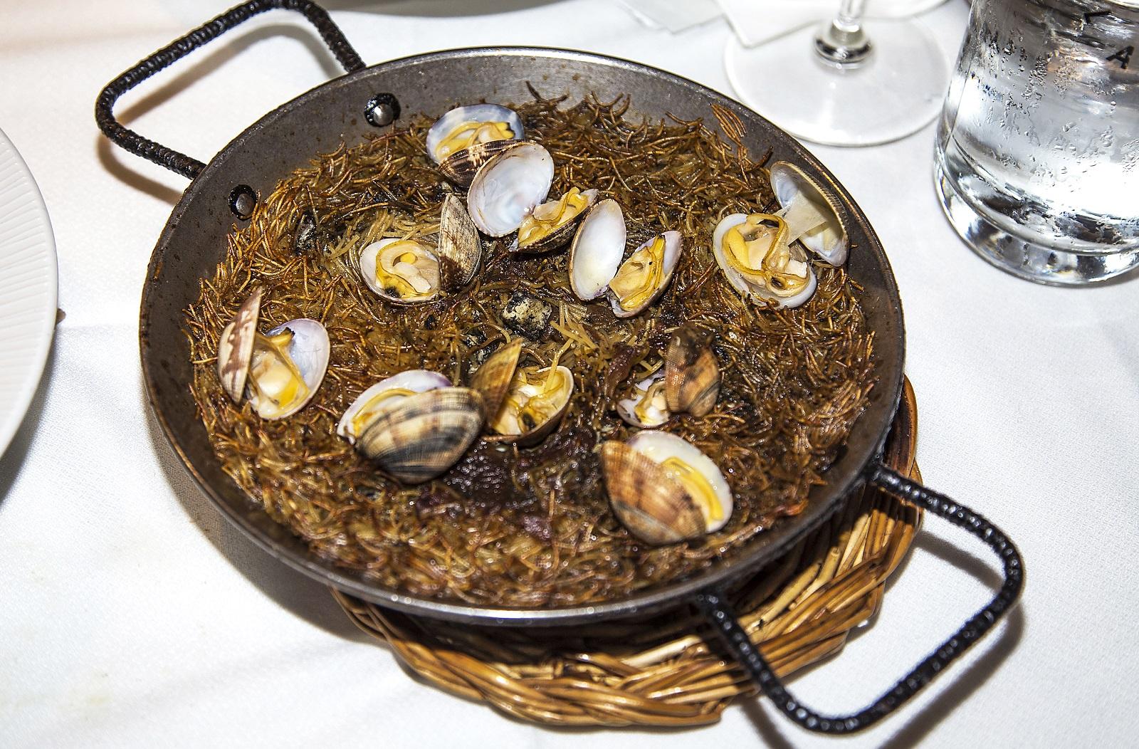 05 Tarragona Restaurante Llagut (fideuà)
