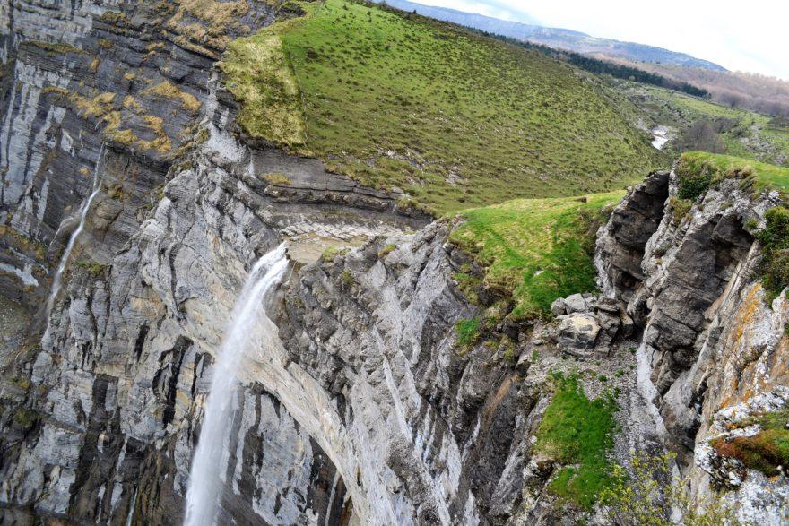 Salto Del Río Nervión, la cascada más grande de España