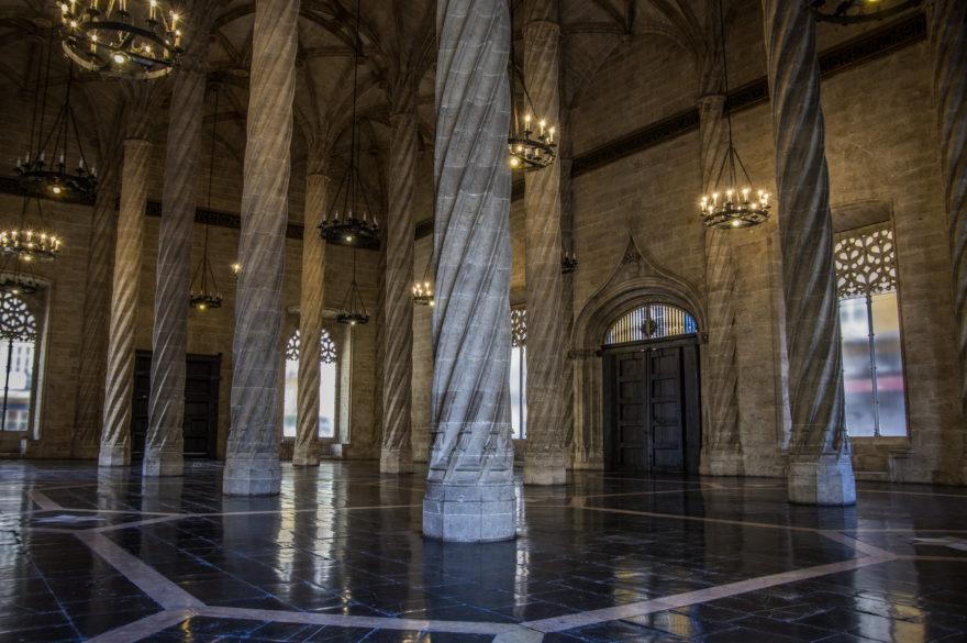 La Lonja de la Seda es una de las maravilla de Valencia