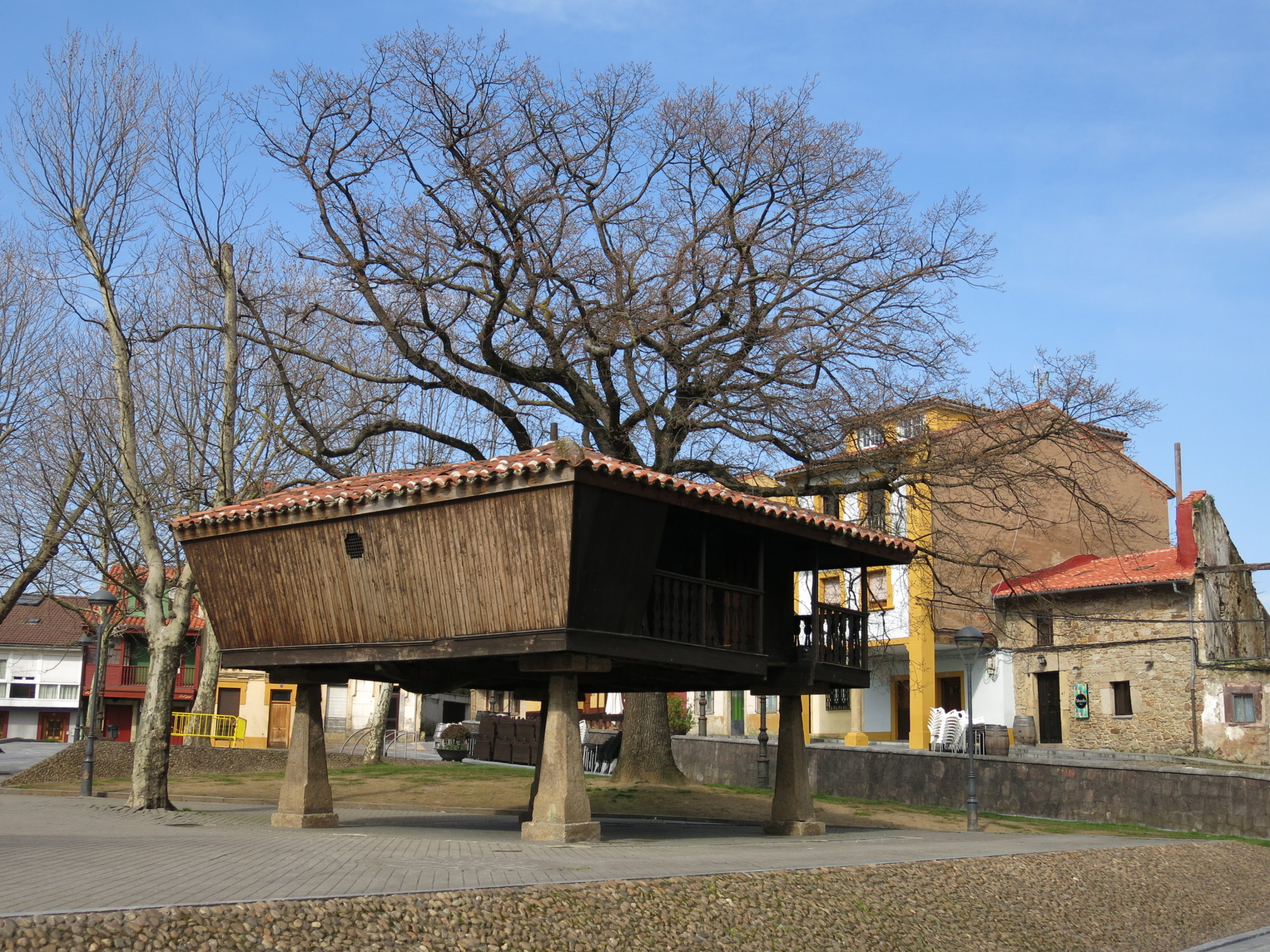 Aviles Horreo Plaza Carbayedo