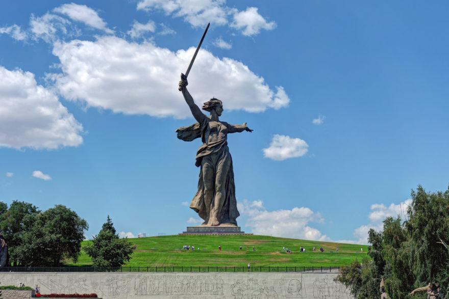 Monumento a la Madre Patria en Mamayev Kurgan