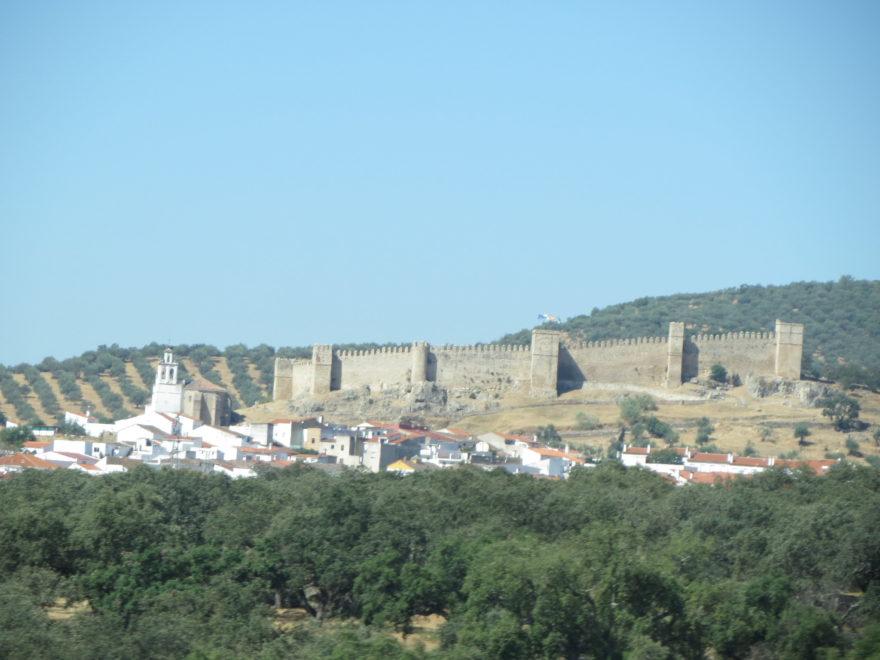 Santa Olalla es uno de los pueblos de Huelva con castillo