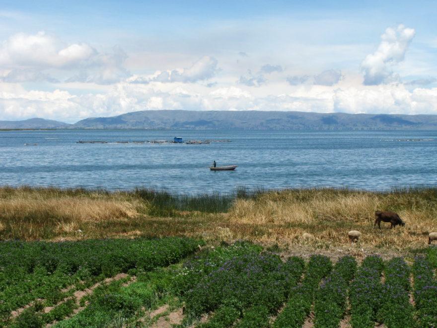 El Lago Titicaca hace de frontera natural entre Perú y Bolivia
