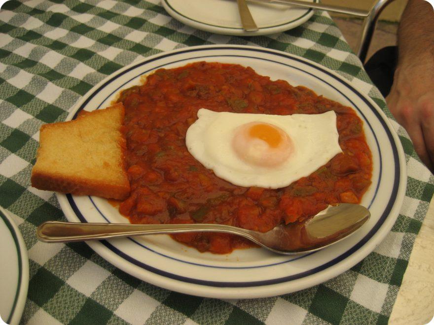 El pisto manchego es un plato típico de Ciudad Real y de toda la región