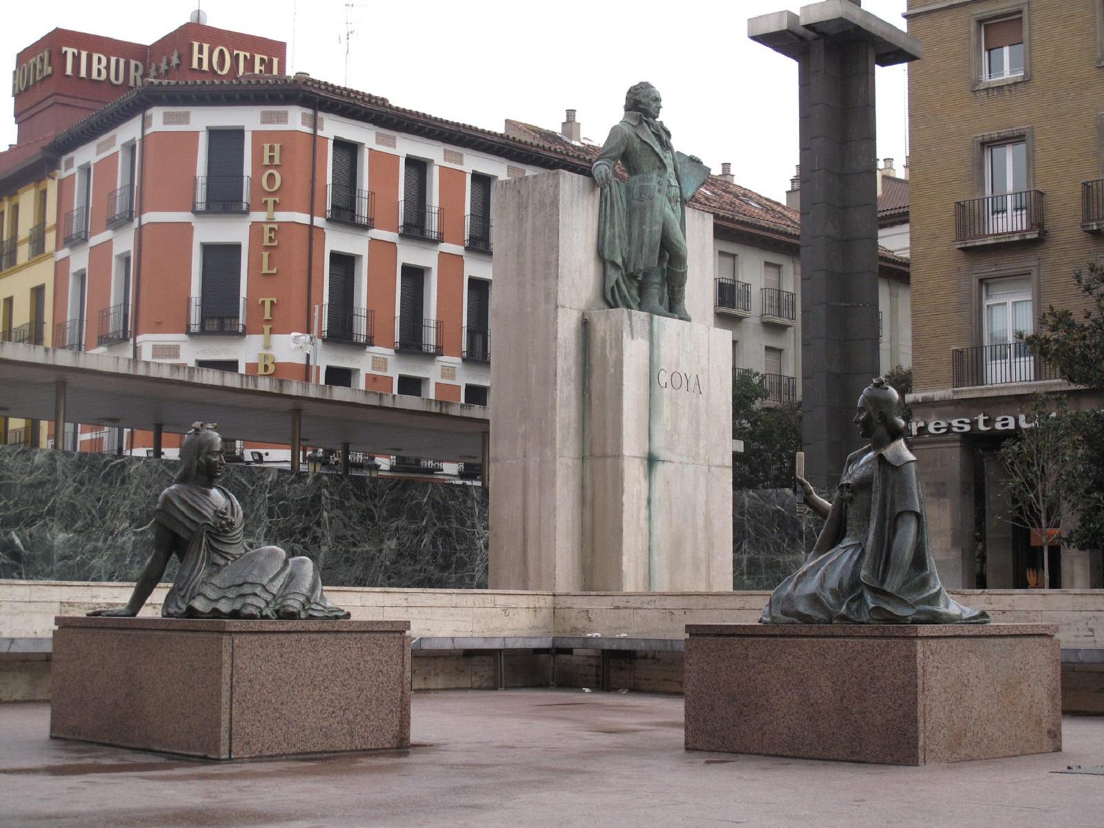 Monumento Zaragoza Goya