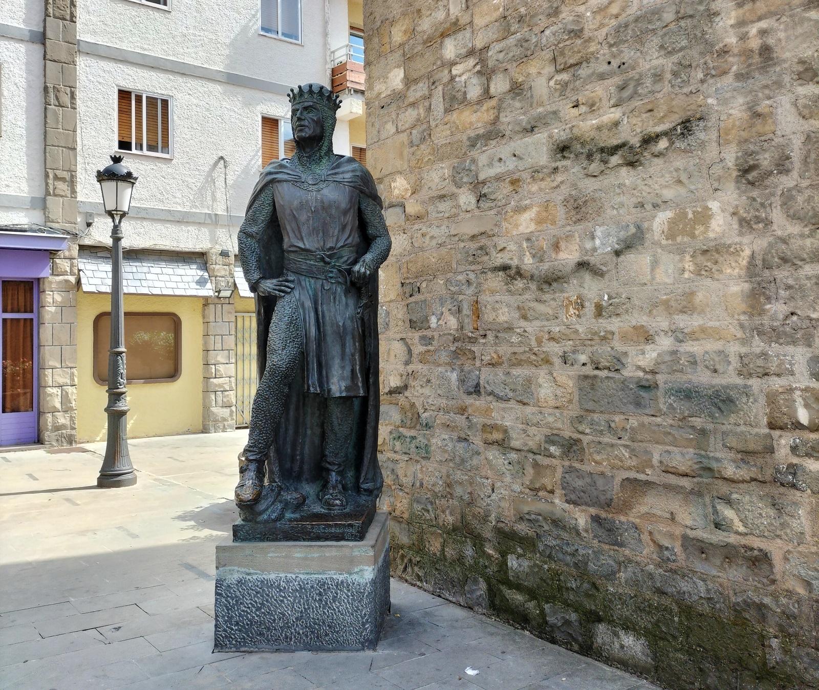Estatua Jaca Turismo