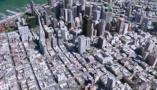 Google Maps presenta sus nuevas capacidades 3D, mapas sin conexión y el Google Street View Trekker